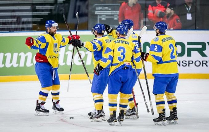 Збірна України зхокею впевнено стартувала начемпіонаті світу