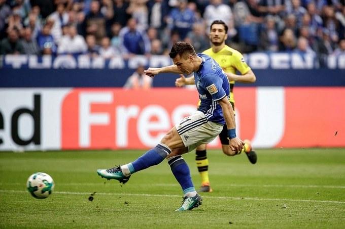 Бундесліга: Гол Коноплянки допоміг «Шальке» перемогти «Боруссію»
