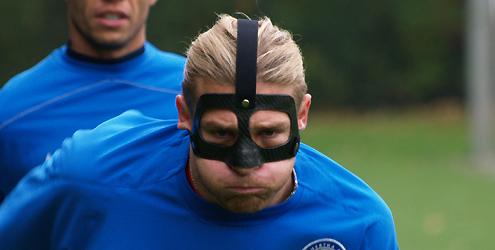 Маска для носа футбол