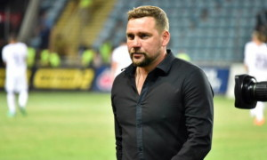Маріуполь продовжив контракт з головним тренером