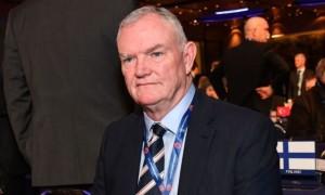 Керівник ФАА звільнився через слова про кольорових футболістів
