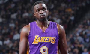 Лейкерс просять НБА списати контракт Луола Денга