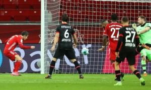 Баварія вирвала перемогу у Баєра та очолила Бундеслігу