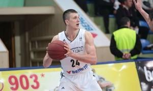 Форвард збірної України повернувся після травми до Черкас