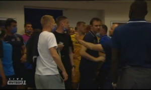 Після матчу Львів - Дніпро-1 у підтрибунному приміщенні ледь не сталася бійка