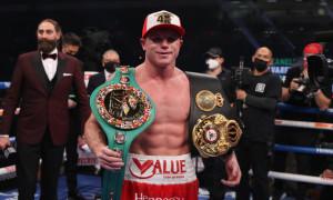 Альварес переміг Сміта і завоював титули WBC і WBA в суперсередній вазі