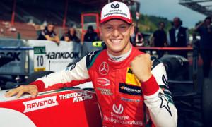 Шумахер здобув першу перемогу у Формулі-2