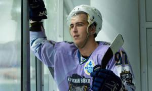 Крижані Вовки відзаявили трьох хокеїстів