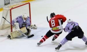 Донбас розібрався із Крижаними Вовками у регулярному чемпіонаті