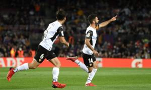 Капітан Валенсії гарматним ударом ледве не порвав сітку воріт Барселони