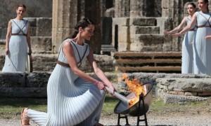 У Греції запалили вогонь Олімпіади-2020