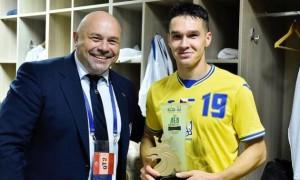 Захисник Динамо став найкращим гравцем збірної України у матчі з Чехією