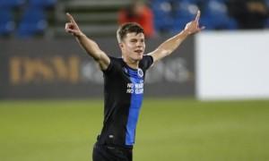 Ефектний гол Соболя приніс Брюгге перемогу над ПСВ