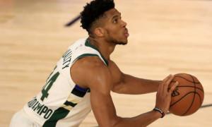 Адетокумбо – MVP сезону в НБА