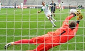 Аугсбург врятувався у матчі проти Кельна в 30 турі Бундесліги