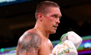 Усик може провести бій за титул WBO через два тижні після поєдинку Ф'юрі - Джошуа