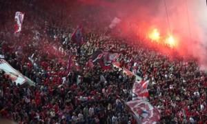 Фанати Олімпіакоса вивісили прапор Росії перед матчем з Динамо. ФОТО