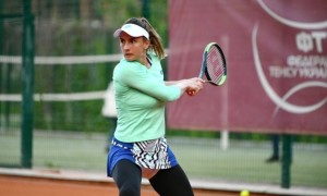 Цуренко знялася з турніру у Палермо
