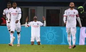 Ліон розгромив Страсбур та очолив Лігу 1
