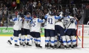 Уболівальники Фінляндії відсвяткували перемогу у фонтані