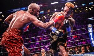 Чарлі нокаутував Харрісона і став чемпіоном WBC в першій середній вазі