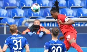 Шальке програв Герті у перенесеному матчі Бундесліги