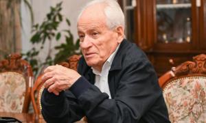 Тренер Динамо сидить, як в сараї, не коректує гру – Рахміль Суркіс
