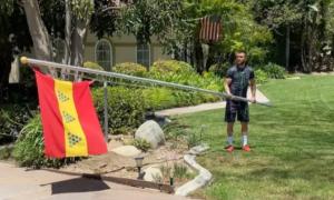 Ломаченко підняв прапор свого міста. Українського боксера хочуть вигнати із США
