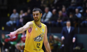 Київ-Баскет продовжив контракт з Крутоусом