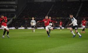 Манчестер Юнайтед розгромив Дербі та вийшов в 1/4 Кубка Англії
