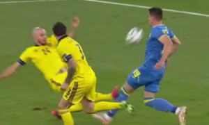 Маркевич закликав УЄФА жорстоко покарати шведа, який травмував Бесєдіна