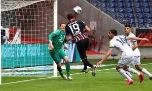 Айнтрахт обіграв Шальке у 32 турі Бундесліги