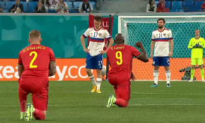 У Санкт-Петербурзі освистали гравців збірної Бельгії, які встали на коліно