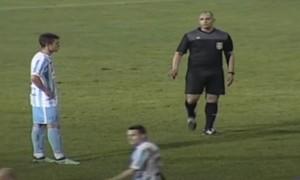 Футбольний арбітр отримав тюремний термін за вигаданий пенальті