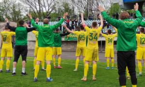 Дев'ять футболістів залишили Прикарпаття