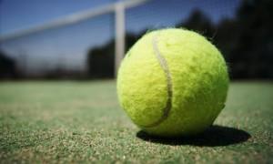 Тенісні асоціації збирають кошти для допомогти гравцям