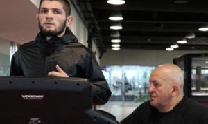 Нурмагомедов: Стан батька дуже важкий