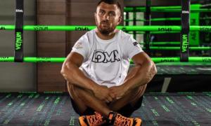 Визначилась дата повернення Ломаченка на ринг