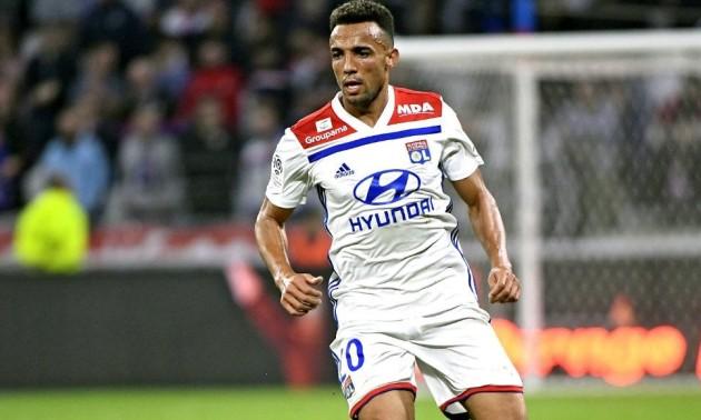 Захисник Ліона у матчі проти ПСЖ забив гарматний гол у свої ворота