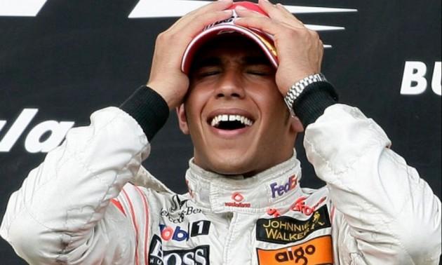Гамільтон продовжить кар'єру, щоб стати найкращим гонщиком усіх часів