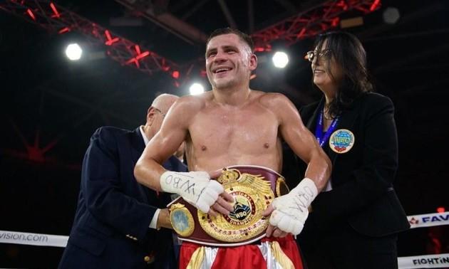 Берінчик переміг Сармієнто і захистив титул WBO