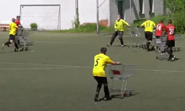 У Німеччині зіграли дуже незвичайний футбольний матч