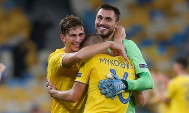 Два футболіста збірної України потрапили до символічної збірної Євро-2020