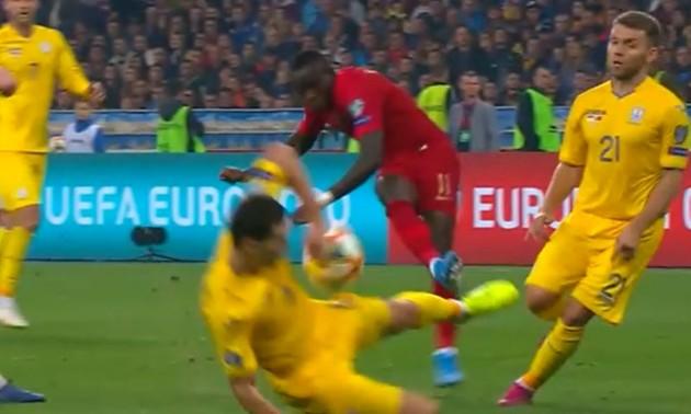 Чи був пенальті у ворота збірної України