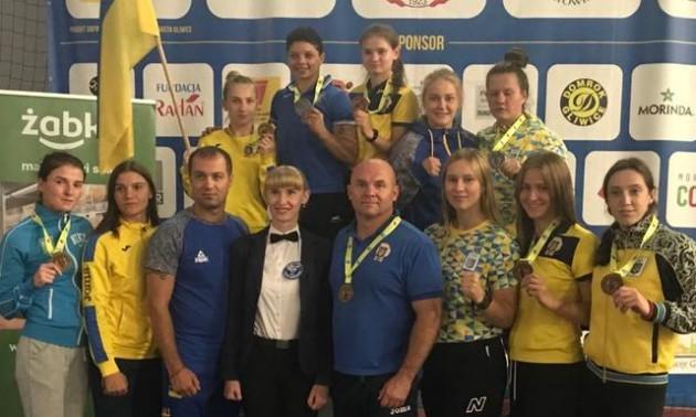 Жіноча збірна України з боксу відмовилась їхати на чемпіонат світу у Росію
