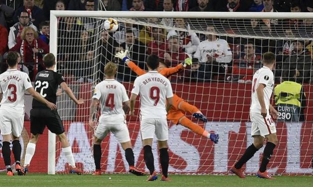 Неймовірний гол нападника Севільї став найкращим моментом дня Ліги Європи