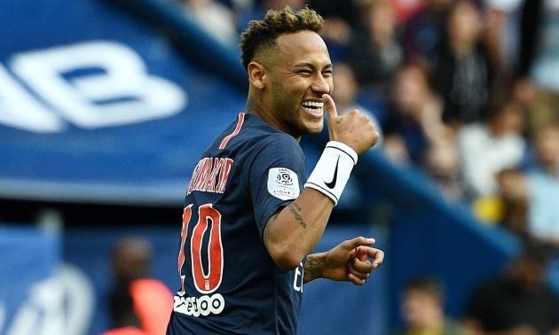 Барселона має намір завтра представити Неймара