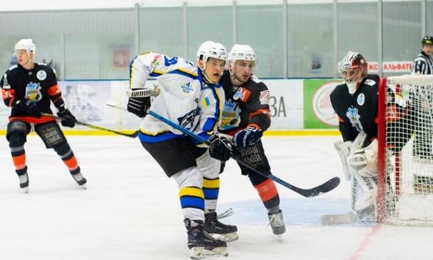 Кременчук відрахував двох російських хокеїстів
