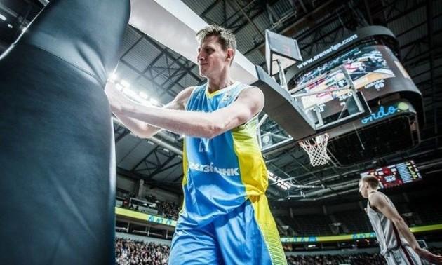 Барселона на відпустила Пустового до збірної України