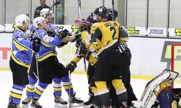 Дніпро обіграло Білий Барс в серії булітів у регулярному чемпіонаті